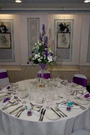 Sandpiper Hotel: Table setting