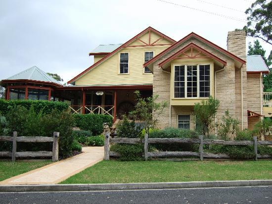 Sandholme Guesthouse: Sandholme - front