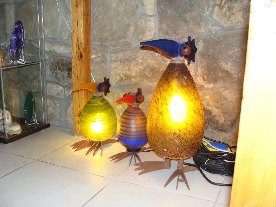 The Blue Beetroot Hotel: En cada rincón verdaderas joyas, lamparas y adornos de cristal hechas a mano
