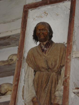 Kapuzinergruft von Palermo (Le Catacombe dei Cappuccini): Catacombe dei Cappuccini - il corpo di Antonio Prestigiacomo