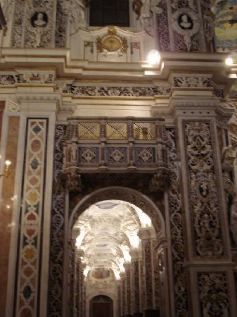 Chiesa del Gesu: Casa Professa - la navata laterale