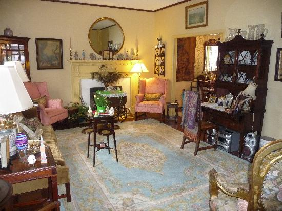 Homerville, GA: living room