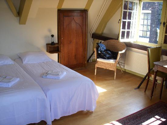 Hotel Brouwer: bedroom