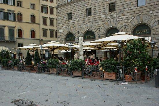 Caffe Rivoire : outside