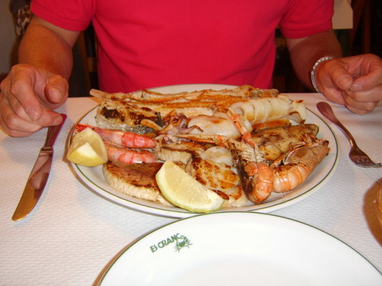 Fornells, Spanien: This is the fish platter (for one!!!)