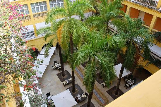 Charleston Cartagena Hotel Santa Teresa : View of Central Courtyard