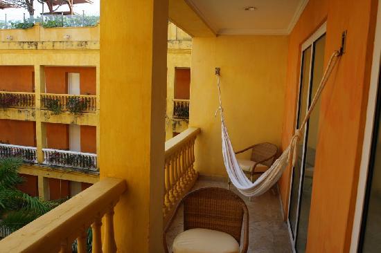 Hammock on balcony picture of hotel charleston santa for Balcony hammock