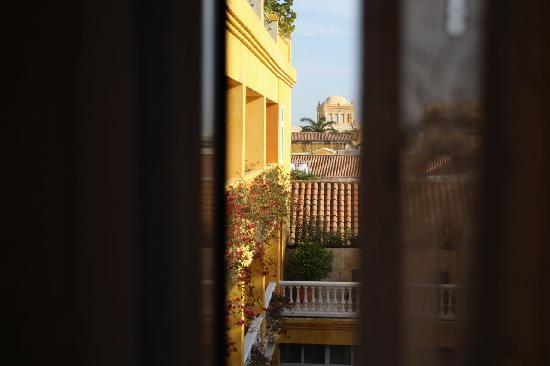 Charleston Cartagena Hotel Santa Teresa : Peek through the curtains