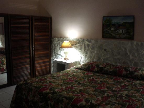 Villa Helen's Hotel & Restaurant: Room
