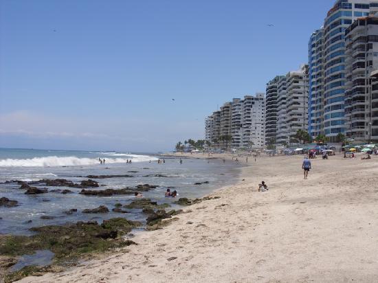 Salinas, Ecuador: vista de la playa