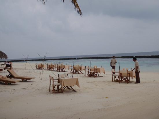 Baros Maldives: cena al aire libre