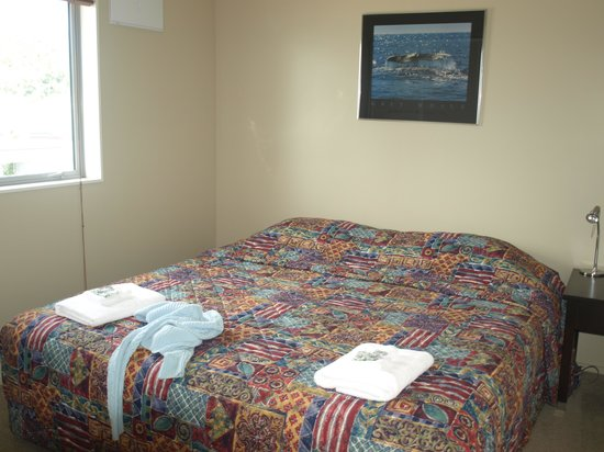 Kaikoura Waterfront Apartments: Bedroom 1