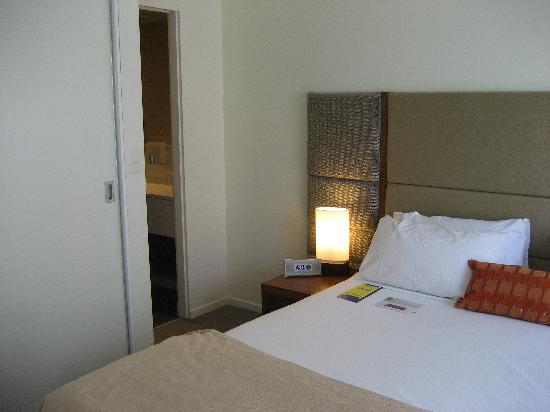 The Sebel Launceston: Main Bedroom of 2 bedroom apartment