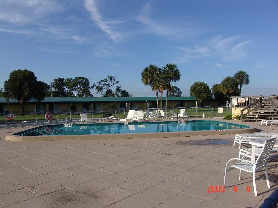 Green Gables Inn: Clean pool