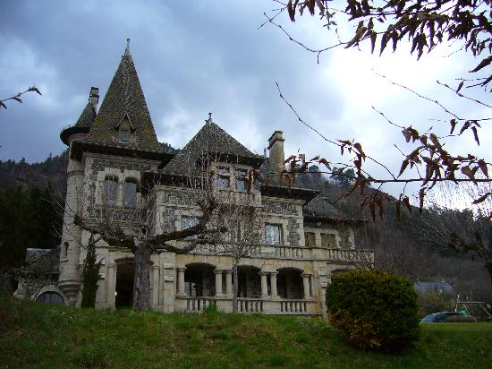 Vic-sur-Cère, France : Terrondou
