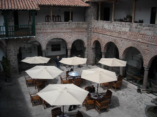 Casa Andina Premium Cusco: Breakfast on the courtyard?
