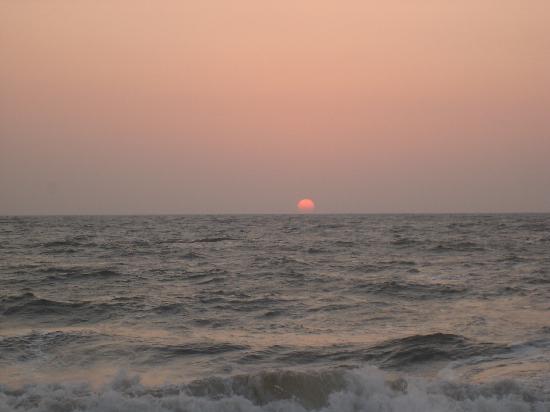 Lucia Beach Guest House: Goa Sunset