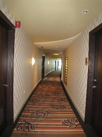 Blue Chip Casino Hotel Spa: Hallway
