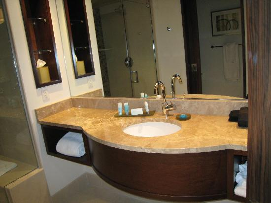Blue Chip Casino Hotel Spa: Bathroom