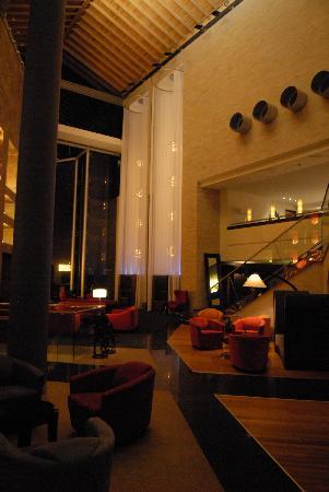 Tribe Hotel: Lobby - Atrium