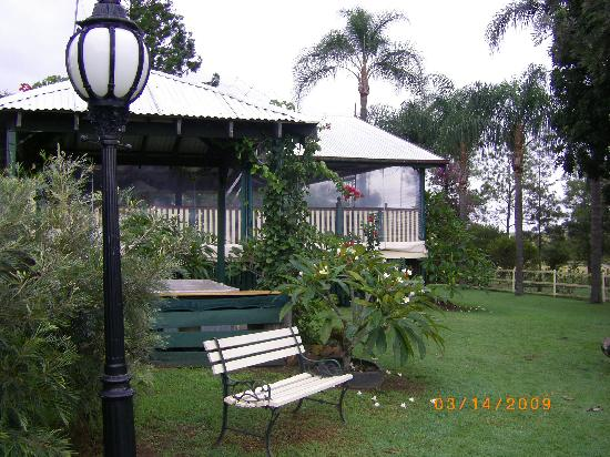 Clandulla Cottages, Beaudesert: Garden Area
