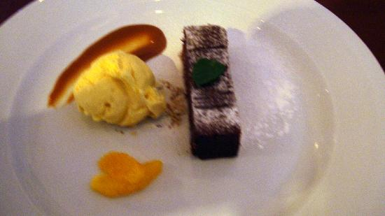 Langley Hotel La Forêt : an example of pudding