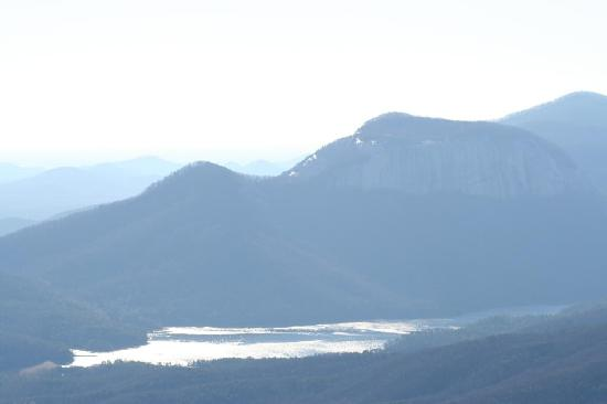 Caesars Head State Park: A view of Table Rock SP from Caesars Head SP