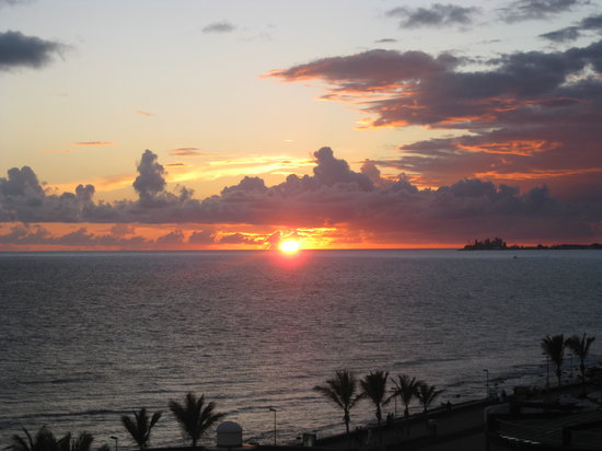 Costa Meloneras, Spanien: Sunset view from hotel towers