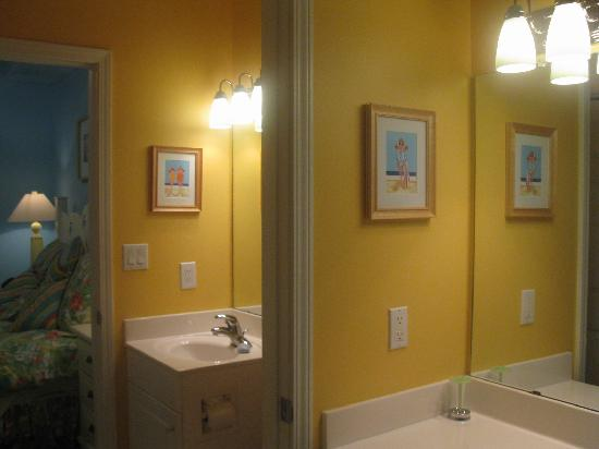 Windemere Condominiums: Bathroom