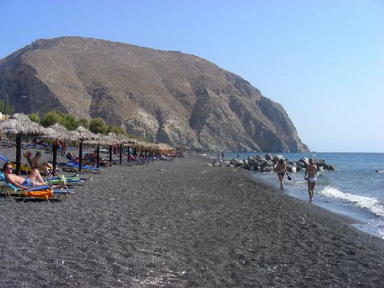 Santorini, Greece: spiaggia di perissa