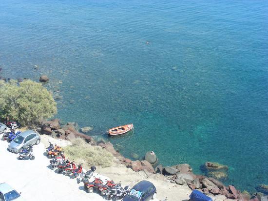 Santorini, Greece: piazzola prima della scalata alla red beach