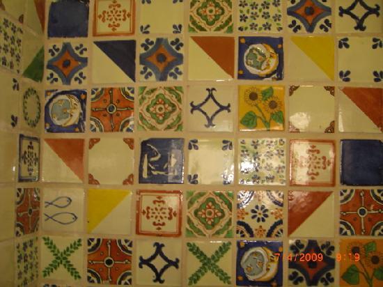 Baktun Hotel: salle de bain azulejos