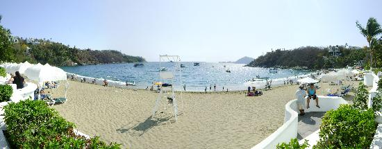 Tesoro Manzanillo: the beach