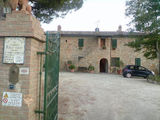La Fornace di Racciano : main gate