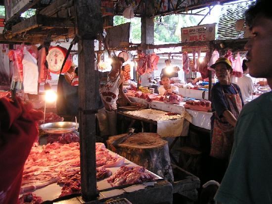 Hilongos, Filipiny: Meat/fish market.