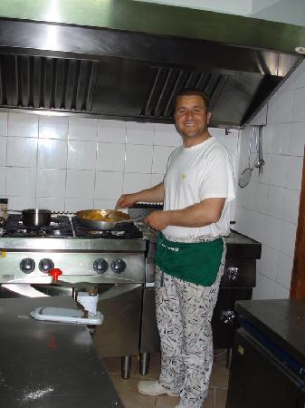 Isola Delle Femmine, Italia: Trattoria Carlomagno - lo chef Orazio