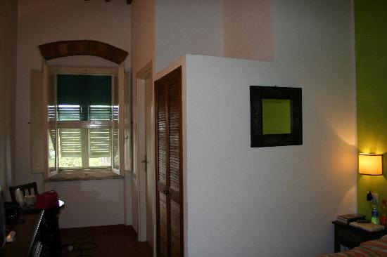 Hotel Terme di Caldana : camera, vista verso la porta