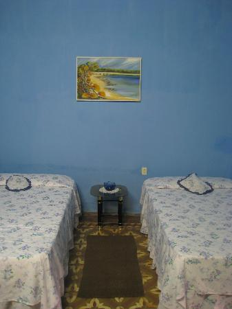 Hostal Buen Viaje: clean and entique room