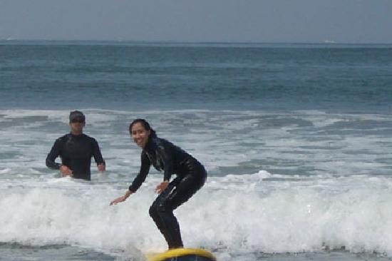 South Swell Surf Lessons : me surfing