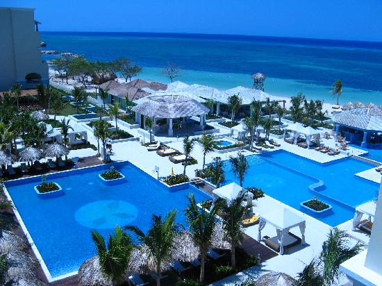 Iberostar Grand Hotel Rose Hall: pools