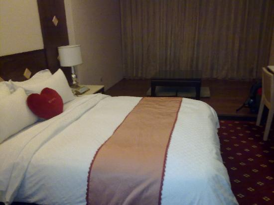 Ta Sun  Hotel: with the love pillow