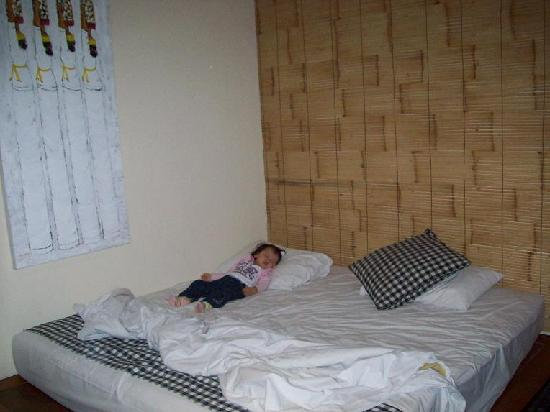 Wida Hotel: The bed