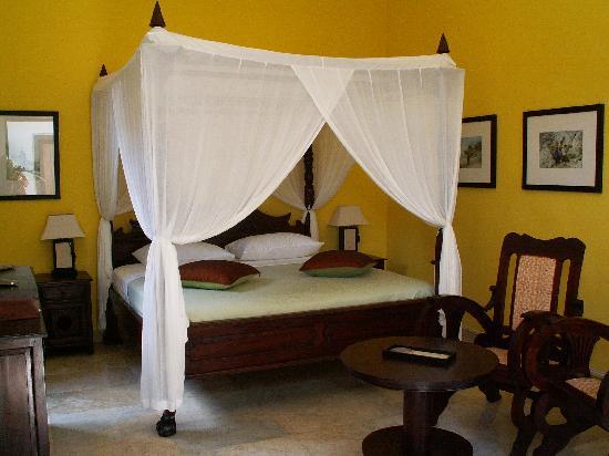 Balam Bali Villa : Chambre donnant sur la piscine