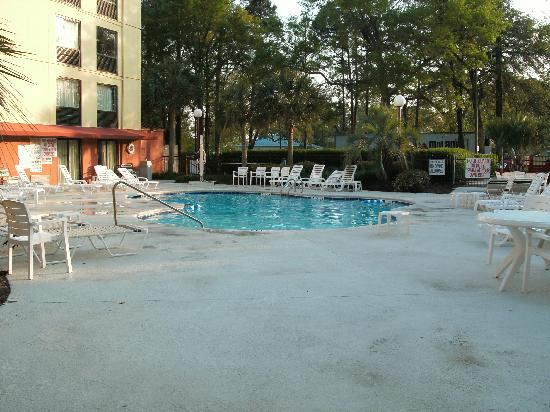 Awesome Red Roof Inn Myrtle Beach Hotel   Market Commons: Pool And Sitting Areas