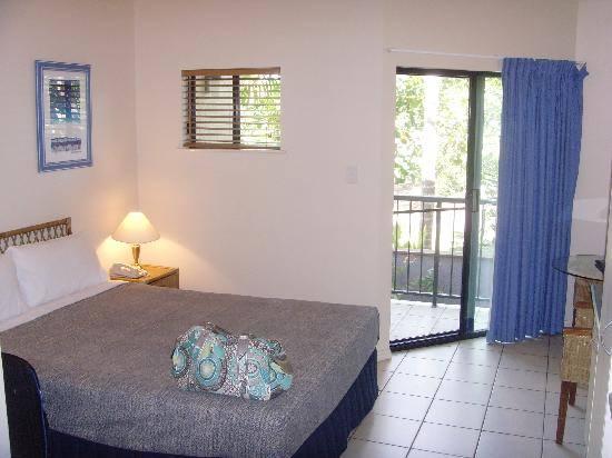 Bay Villas Resort: our room