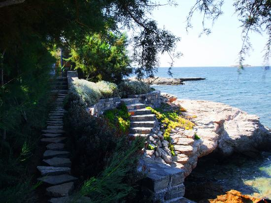 Lagonisi, Greece: exit to the pivate beach from villa