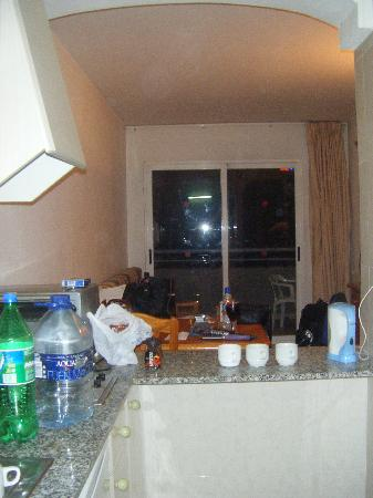 Apartamentos Primavera Loix: kitchen looking towards balcony