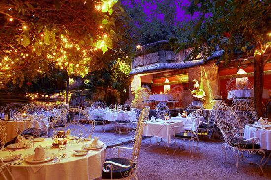 La Habichuela Centro: Our romantic garden.