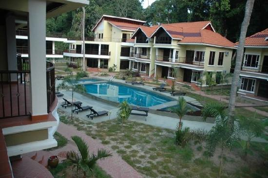 Anjungan Beach Resort: Early Morning