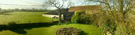 Clanville Manor: Panoramic view from 4-poster bed room